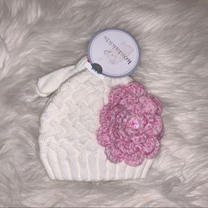 The most adorable mittens and hat set